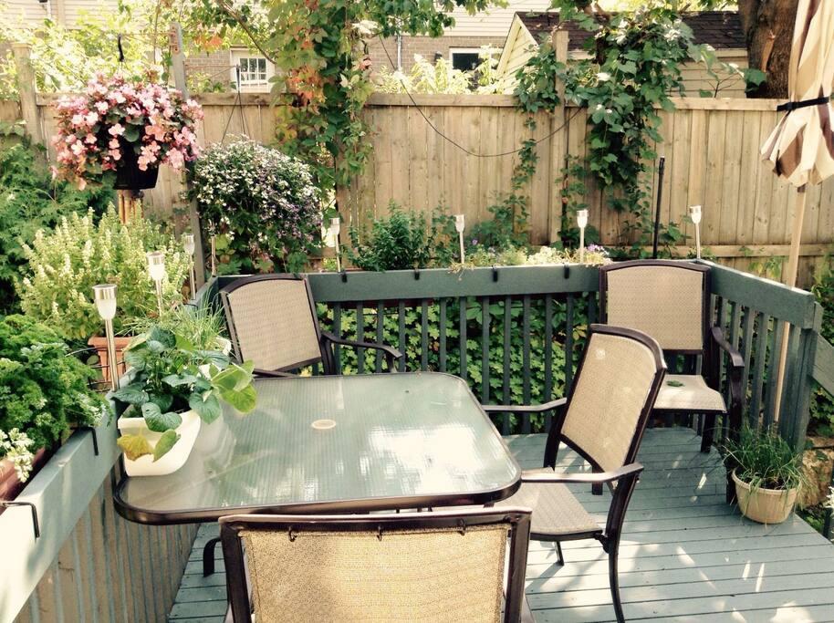 Spacious condo parking terrace calm neighbourhood for Terrace 45 qc