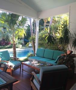 Elegant Tropical Oasis - 키웨스트(Key West)