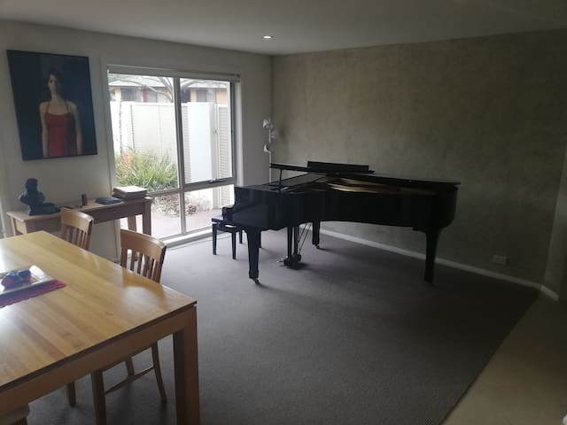 Executive style town house.  Ideal for musician.