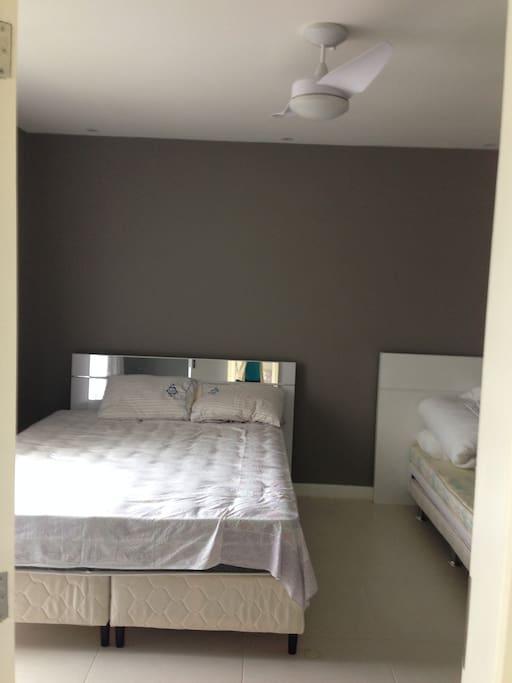 Suite de casal com 2 camas de solteiro