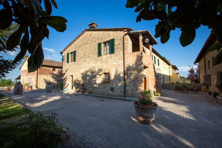 Tognazzi Casa Vacanze - Appartamento Alloro - Gambassi Terme - Leilighet