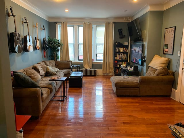 Private room available for sublet in Astoria