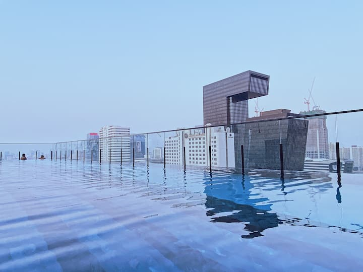 8897 Cozy Condo/Sky Pool/Near MRT/Rama9/Asok 中文房東