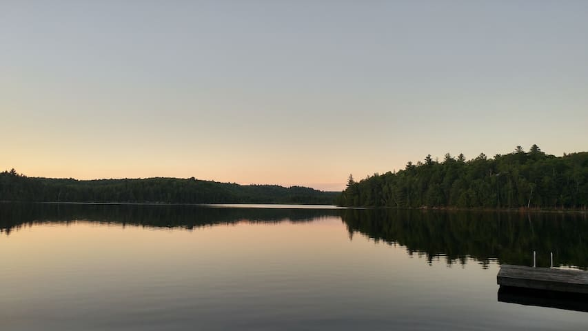 Peaceful Point, 4 Bedroom Cottage on Quiet Lake