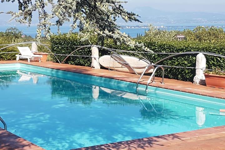 El Belèe - Alloggio in Villa sul Lago di Garda