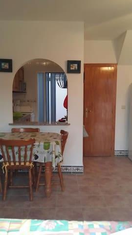 Maison 2 chambres dans résidence avec piscine. - Santa Pola - Talo