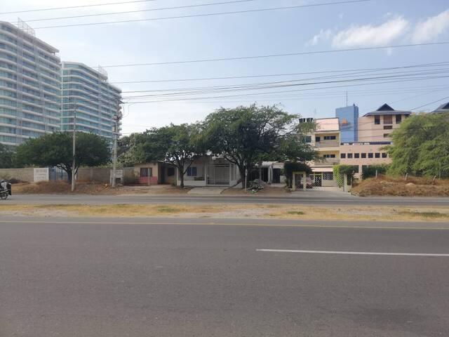 Casa en Santa Marta cerca al mar y al Aeropuerto.