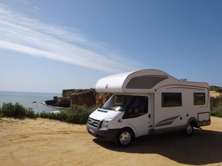 Comfortable, fully equipped Motorhome for up to 6