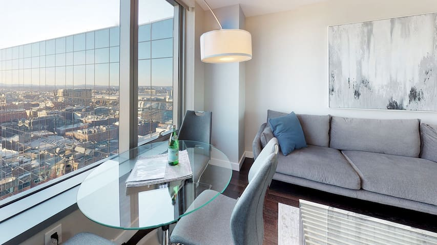 Live the good life in this stunning 1BD, fast wifi