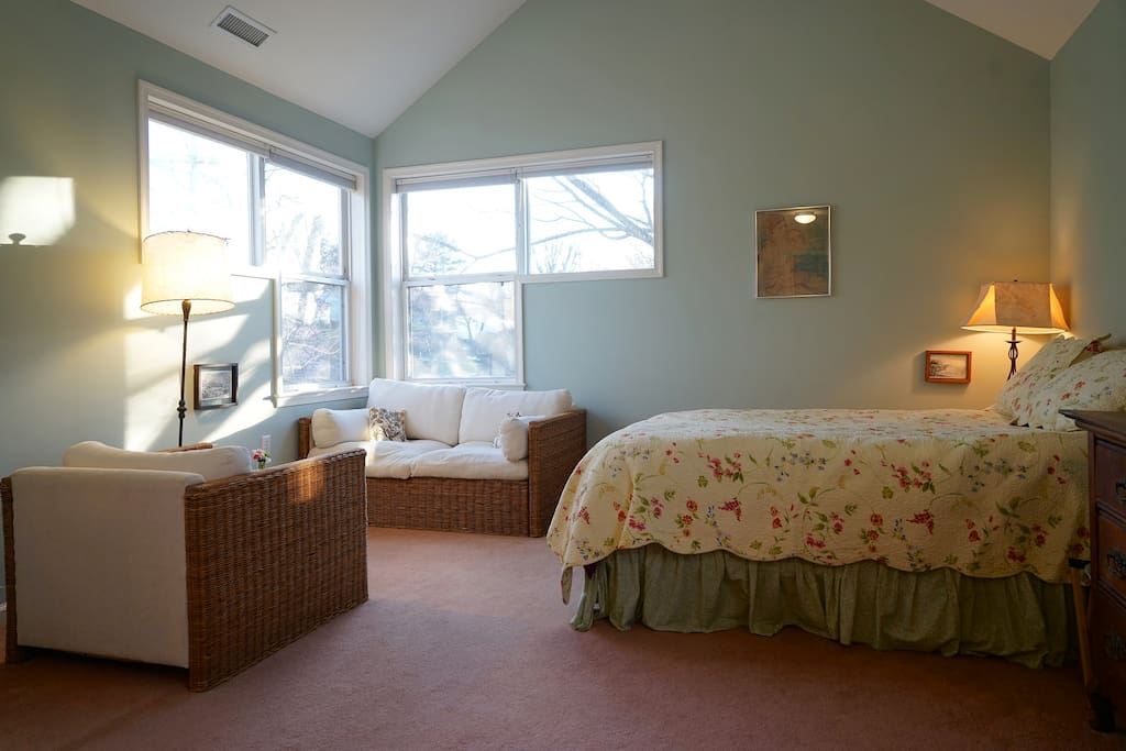 Cozy sitting room within Master bedroom. Has sunlight all day!