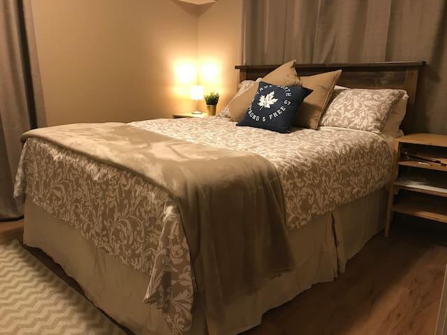 Pure comfort, queen bed