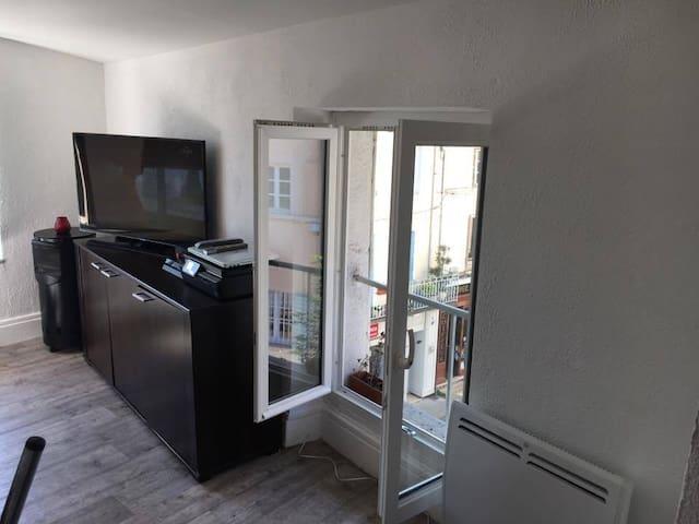 Appartement mansardé au Coeur de Bourgoin - Bourgoin-Jallieu - อพาร์ทเมนท์