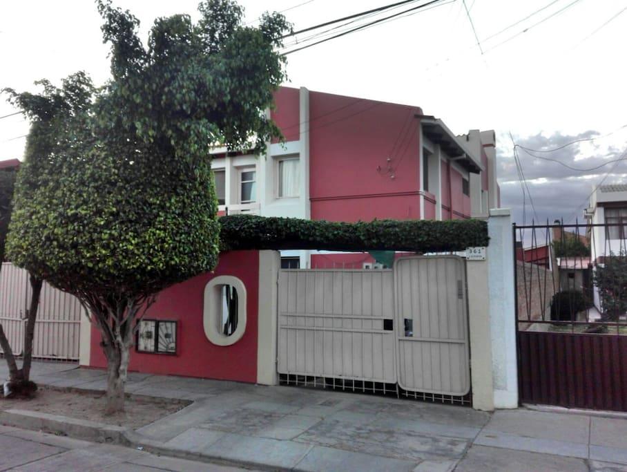 La casa entrada principal