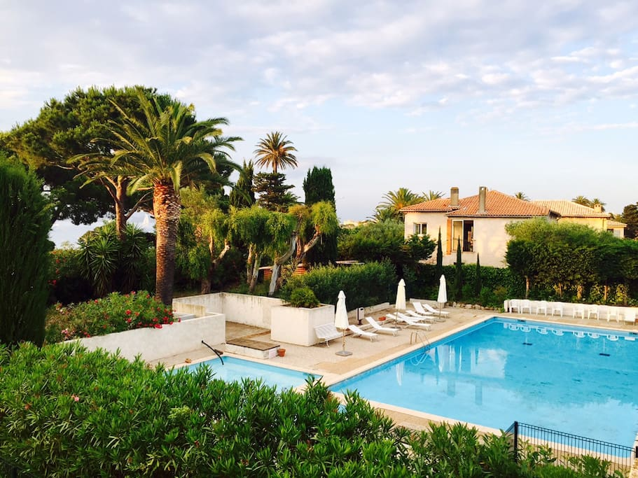Seacret st tropez vue mer 10min du port piscine for Piscine saint tropez