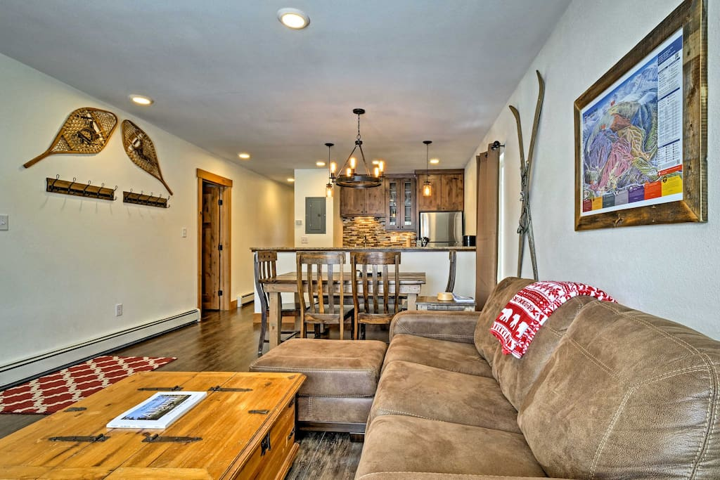 Up to 7 guests can make themselves at home amidst the home's cozy living space.