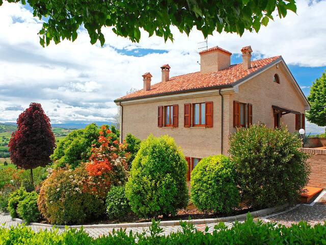 9-room villa 500 m² Angelina for 10 persons