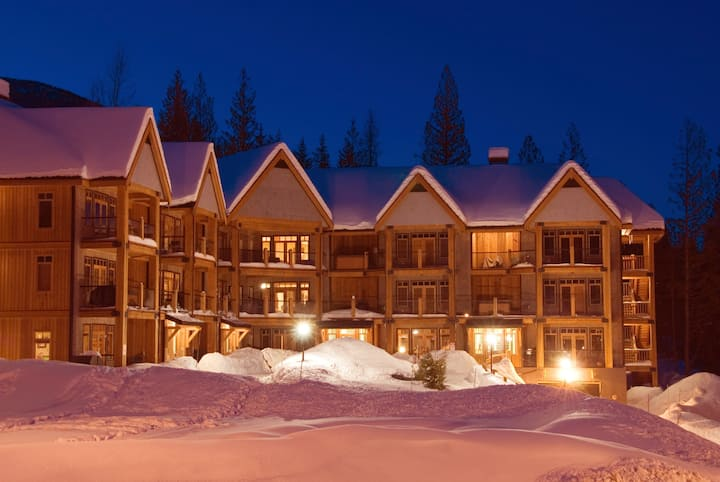 2 Bedroom Silver Tip-Discounted Lift Tickets!