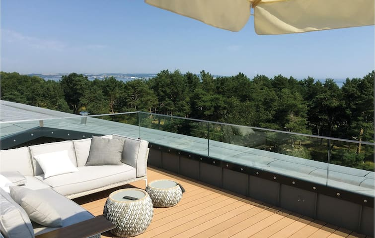 Holiday apartment with 1 bedroom on 63 m² DMR827