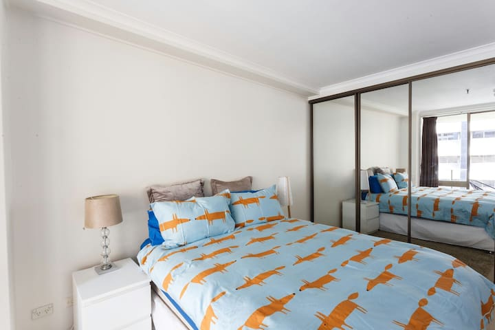 Spacious 1BedApt Sydney Town Hall/Darling Harbour