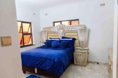 SRM HOMES accommodation and CarHire Harare Sandton