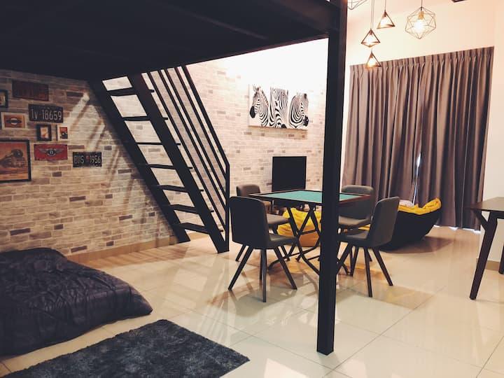 【Manhanttan Mount Austin】Loft Style Cactus Home