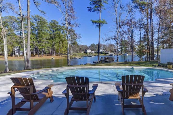 Serenity Now House / Lake Murray w/ Pool, Hot Tub