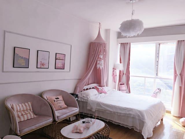 【星宿】市中心粉色少女心大床房巨幕投影楼下地铁口