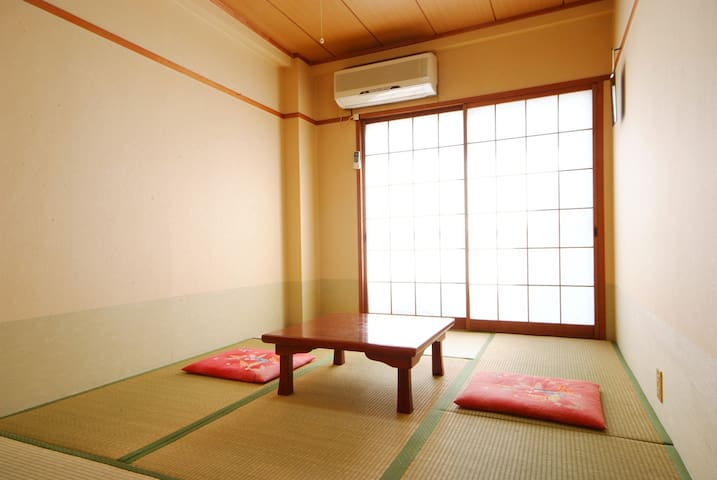 【Smoking】 Japanese-Style Room 6 Tatami mats