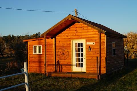 Kara Creek Ranch - Queen Bed Cabin