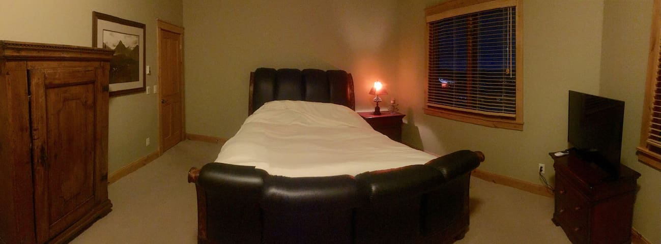 Comfy Queen Sleigh Bed, Great Views & Nice Hot Tub - Steamboat Springs - Maison