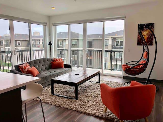 307 Downtown Upscale 2bd 2ba Apartment