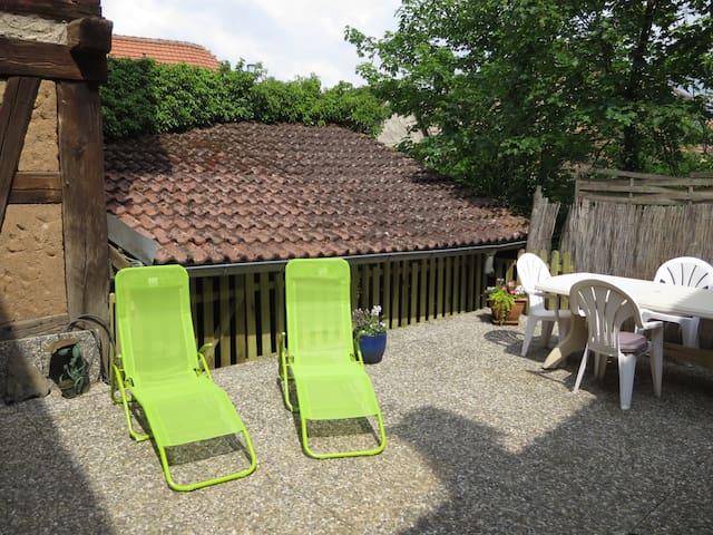 Dambach-la-ville : Maison typique + terrasse 2-5p