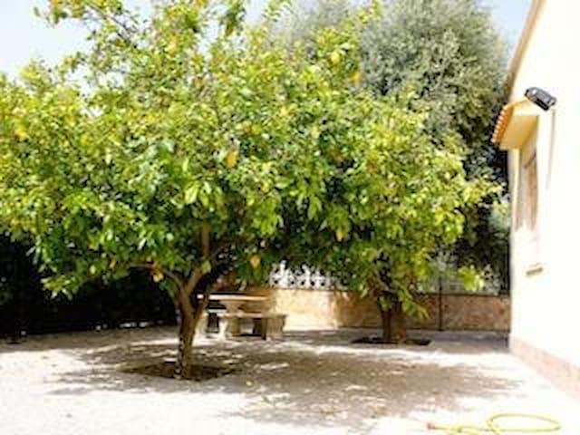 Riservata villa a pochi centinaia d metri dal mare - Leporano Marina