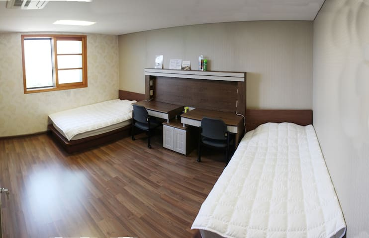 Rooms at Korea Learning Resort - Bogae-myeon, Anseong-si - Hus