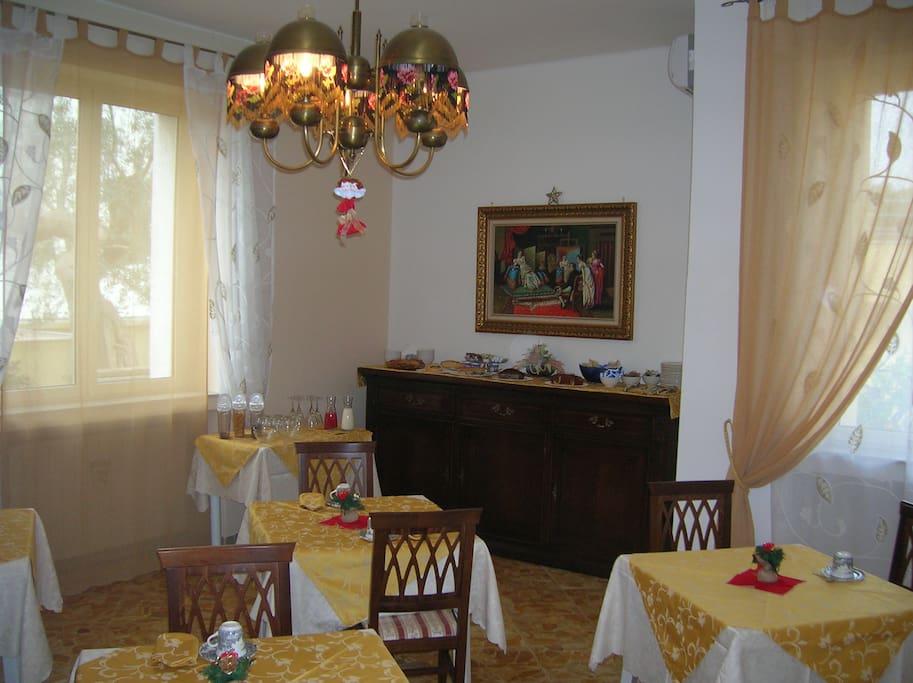 L'accogliente sala colazione