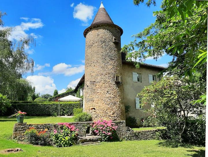 La Tour du Château de Chaintré, charme et confort