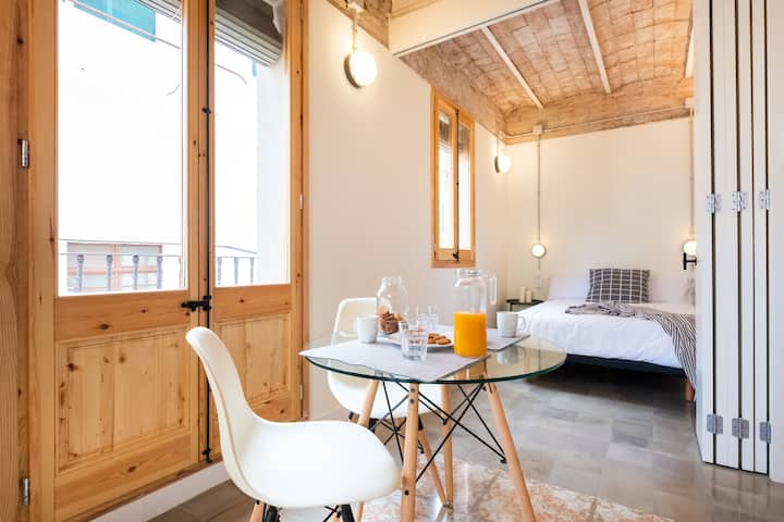 STYLISH STUDIO IN BARCELONETA
