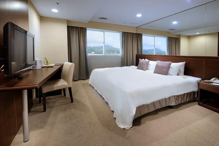 晶贊標準房(一大床) / Park Standard Double Room