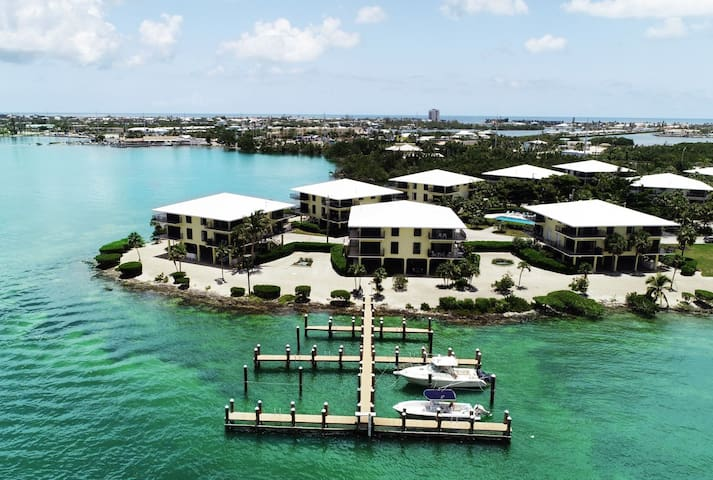 Tarpon Run, Surrounded by Gulf Views, Boat Dock is just steps away