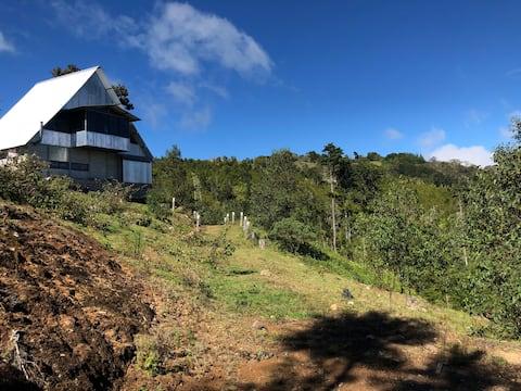 Cozy High Mountain Cabin in Macho Gaff