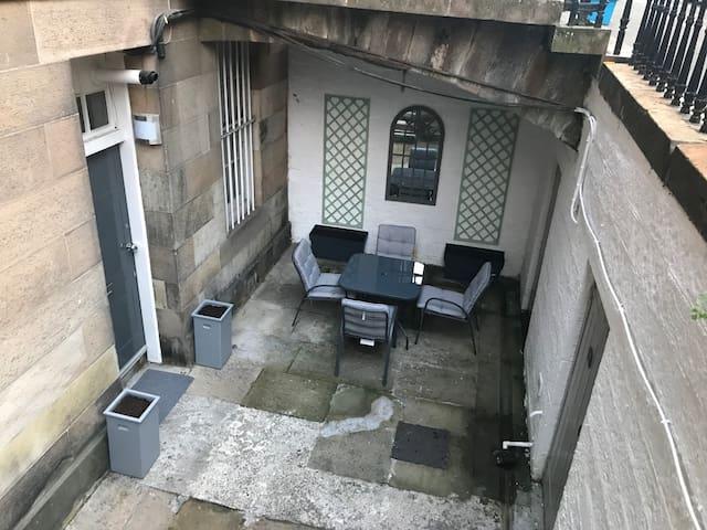 Courtyard area.
