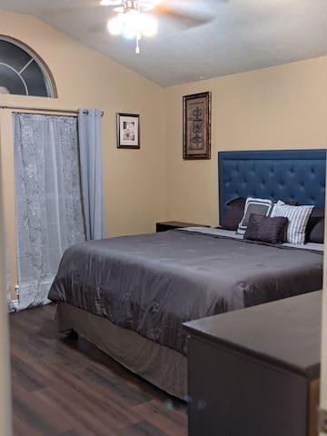 Bedroom# 3 - King