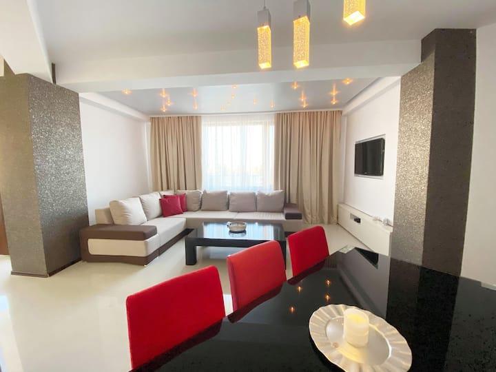 Modern & Elegant apartment - 4 min drive to Mamaia