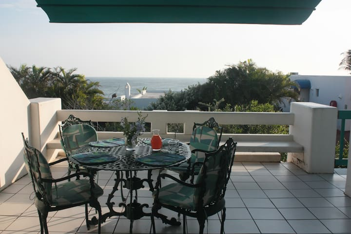 15 Thira, Santorini - Greece comes to Africa