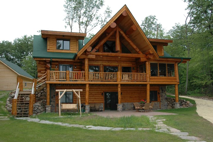Magnificent 4200 square foot handcrafted log home vacation rental