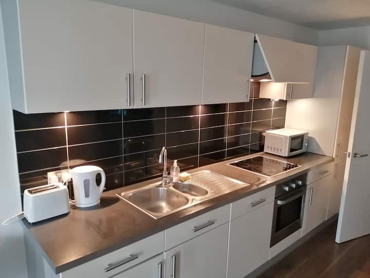 Modern, Convenient Studio Apartment in MediaCityUK