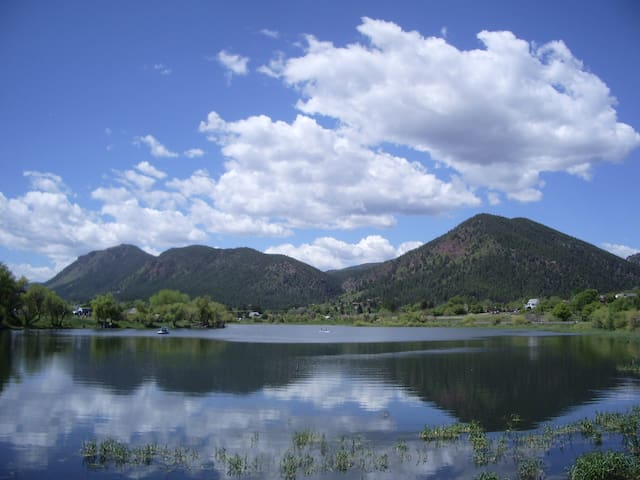 """Almost Heaven"" Palmer Lake, CO (No Pets Allowed) - Palmer Lake - Hus"