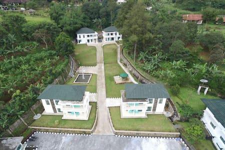 Villa Griya Wira Karya - cisarua sarua