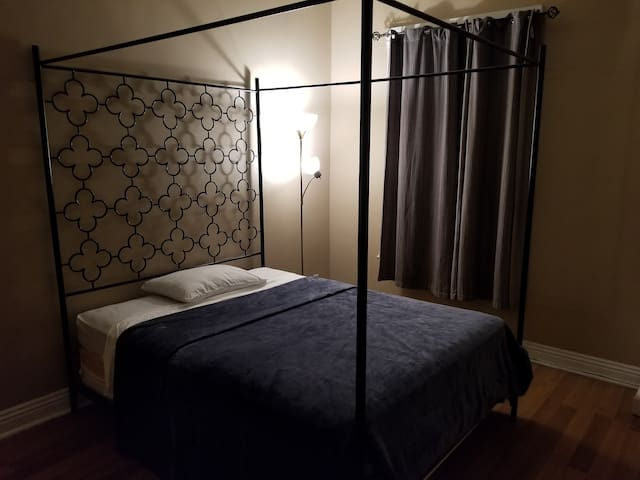 Private Room - Comfortable Queen Bed near DTLA