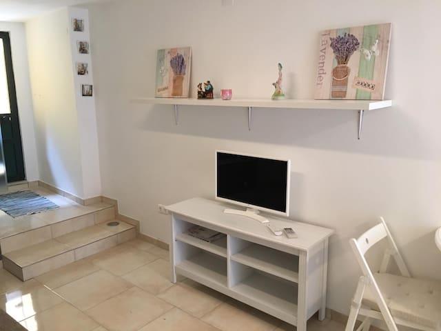 Studio charmant avec petite terrasse
